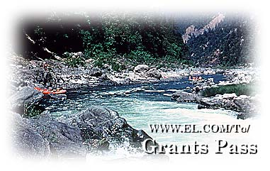 White Water Rafting in Grants Pass, Oregon